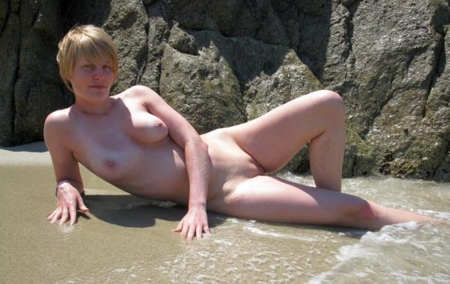 Naked ddr