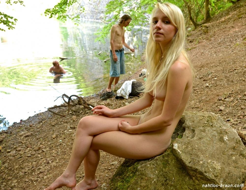 Nackt am see teen