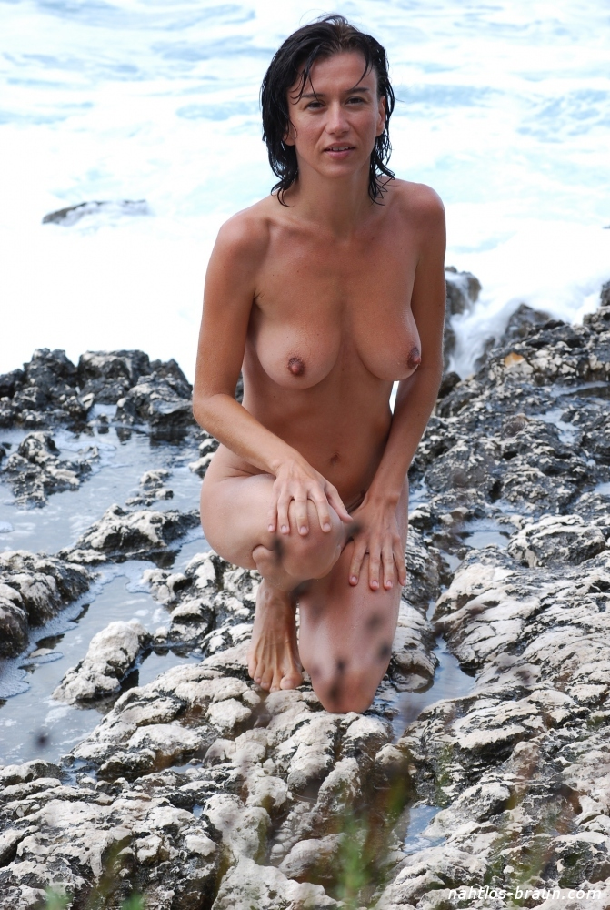 Nackt baden frauen Baden Nackt