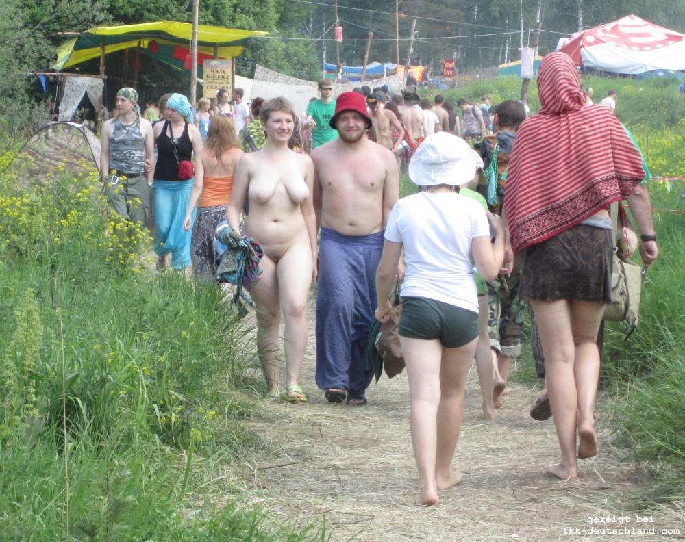 https://www.nahtlos-braun.com/fkk-bilder/albums/userpics/pustye_holmi_musik_festival_36.jpg