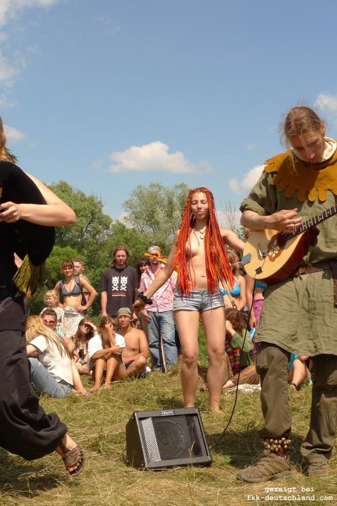 https://www.nahtlos-braun.com/fkk-bilder/albums/userpics/pustye_holmi_musik_festival_39.jpg
